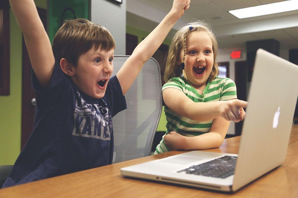 Afbeelding van 'Wees verstandig en zet je kinderen op ICT les'